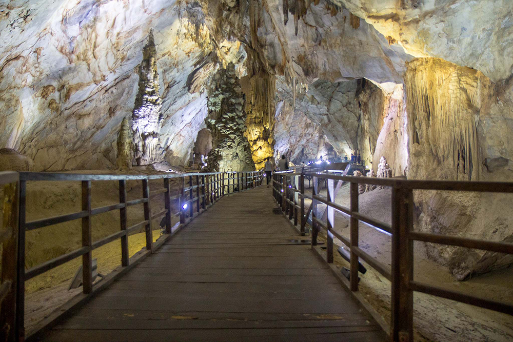 Phong-Nha