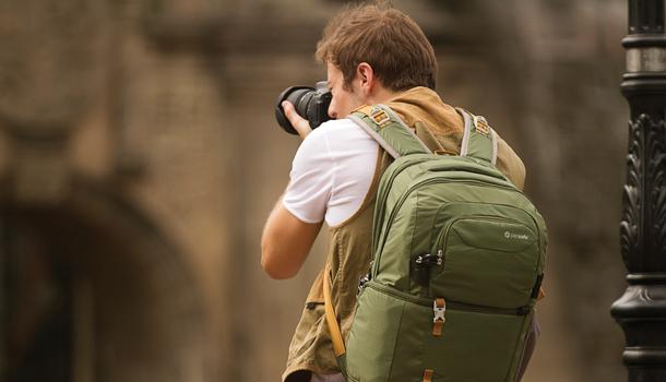 photographer pacsafe bag