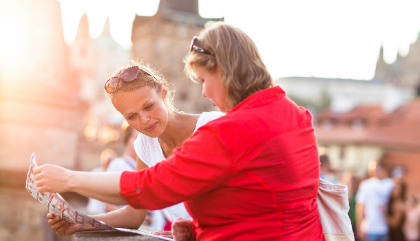 mother and daughter travelling tips