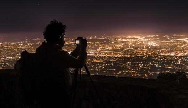 photographing night lights