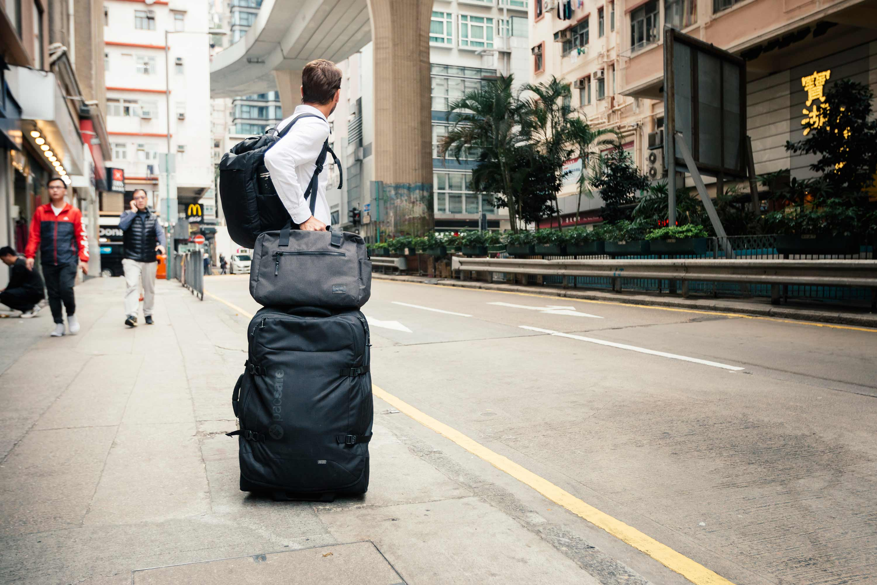 How To Choose The Best Travel Bag These Holidays