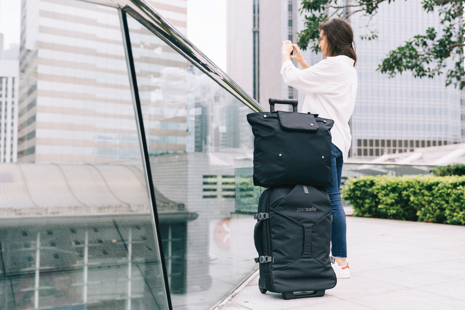 How Convertible Tote Bags Can Save Your Trip